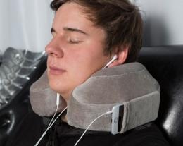 Cuscino da viaggio evolution con porta smartphone, regalo per chi viaggia, regali per lui