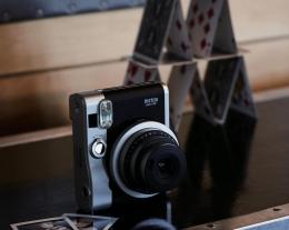 regalo macchina foto istantanea, idee regalo per chi ama la fotografia, regalo appassionati selfie