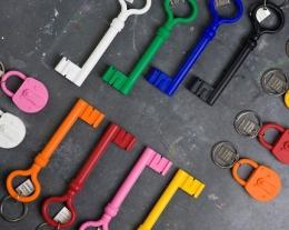 Portachiavi a forma di chiave in silicone, regali originali, idee regalo ragazzo
