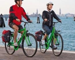 pacchetti viaggio regalo, regalare un viaggio, lido di venezia in bici