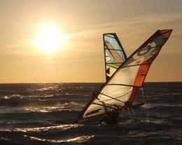 Regali per Lui windsurf, idee regalo per chi ama il mare, regalo corso windsurf