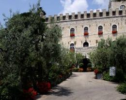 regalo uomo notte in un castello, soggiorno castello regalo per lui, regali romantici per lui