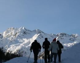 Ciaspolata, idee regalo per chi ama la montagna, regali per lui