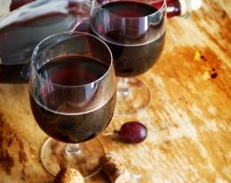 soggiorno enologico ad asti, regali per lui, regali per chi ama il vino